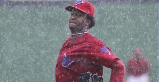 Pedro Martinez rain.JPG